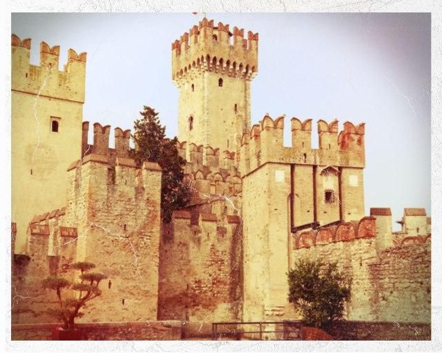 Vintage-Castle